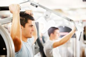 young-man-doing-arm-workout_1